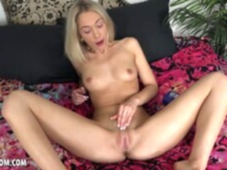 Any Bunny masturbationsolo